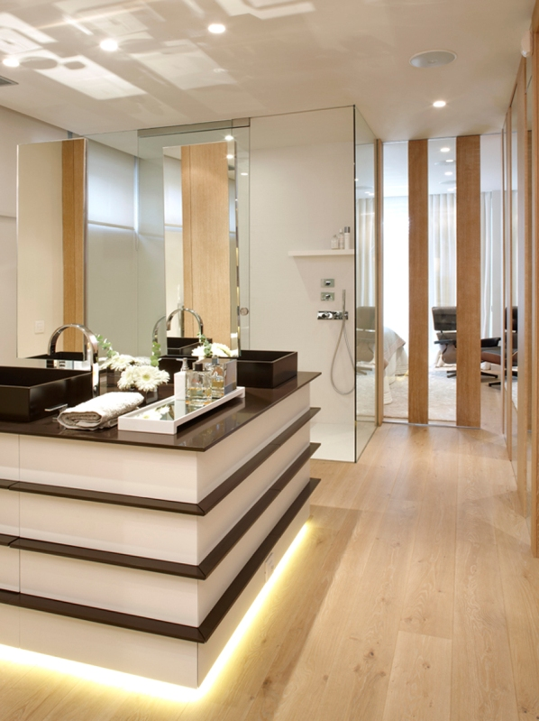 bathroom with dressing room