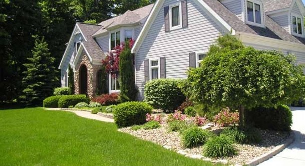 Landscape Front Of House Pictures Ideas : Landscaping ideas for front of house on budget