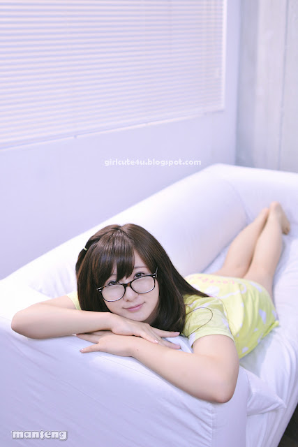 3 Ryu Ji Hye again - Cutie meet Glasses-very cute asian girl-girlcute4u.blogspot.com