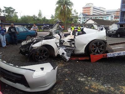 Gambar Nissan GTR dan Skyline Terlibat Kemalangan Maut