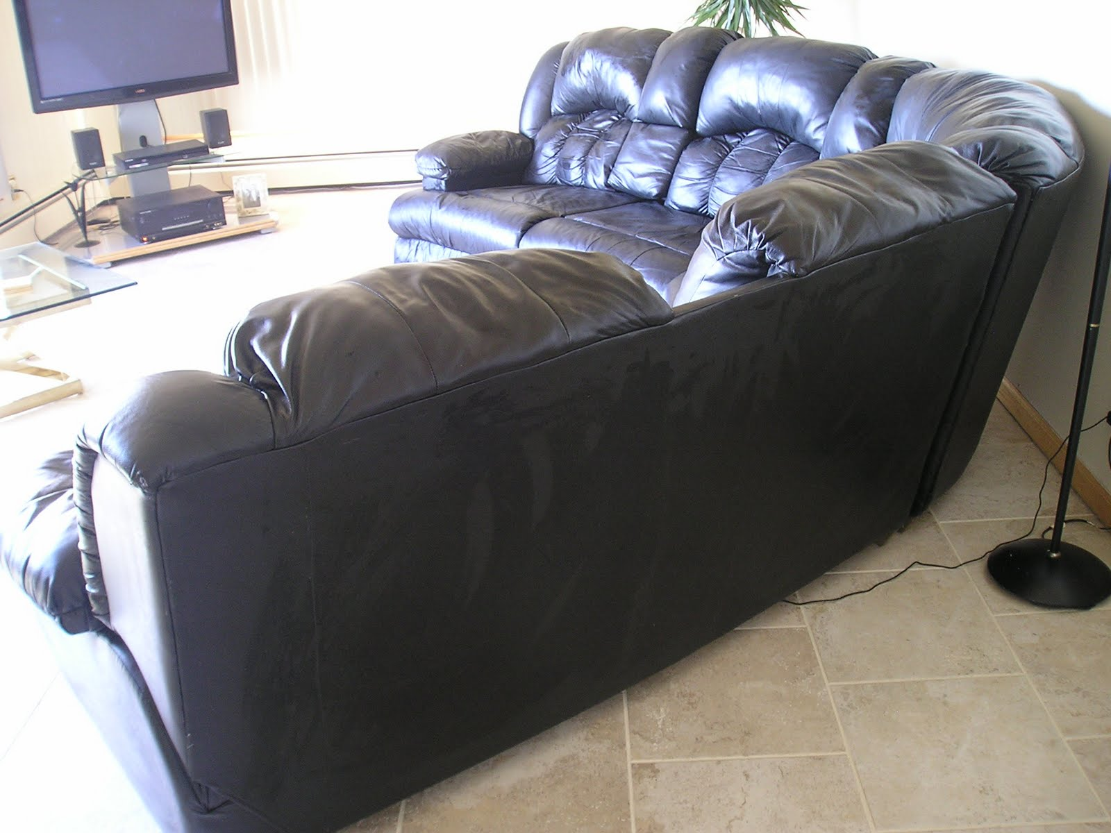 This 3 Piece Used black leather sectional has a compartment with cup holders at each end. It also includes two middle folding arm rests with cup holders. : used sectional couch - Sectionals, Sofas & Couches