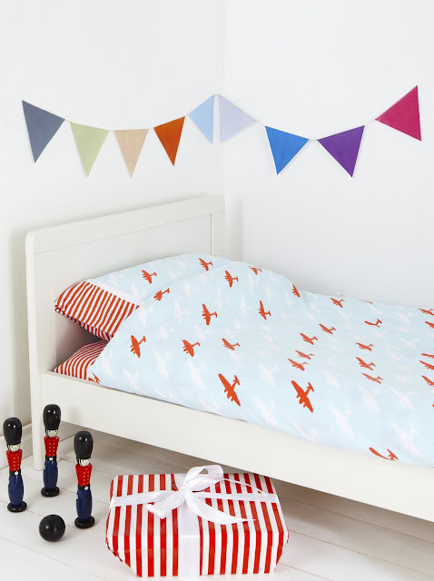 Union Jack and Jill | Red Plane Toddler Duvet Cover Set
