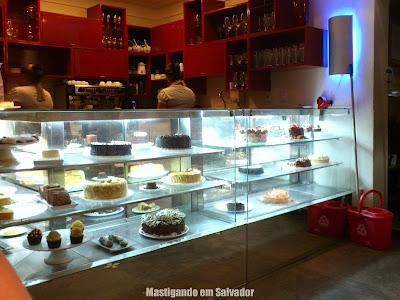 Tortarelli Café: Ambiente da loja da Pituba