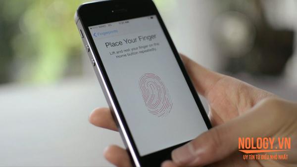 Những điểm giống nhau bất ngờ giữa iPhone 6 lock và Galaxy S6/S6 Edge.