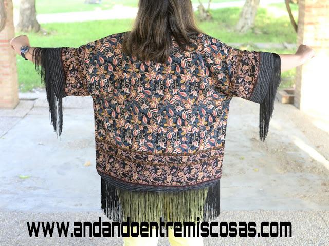 Kimono Negro Con Flores De SheIn