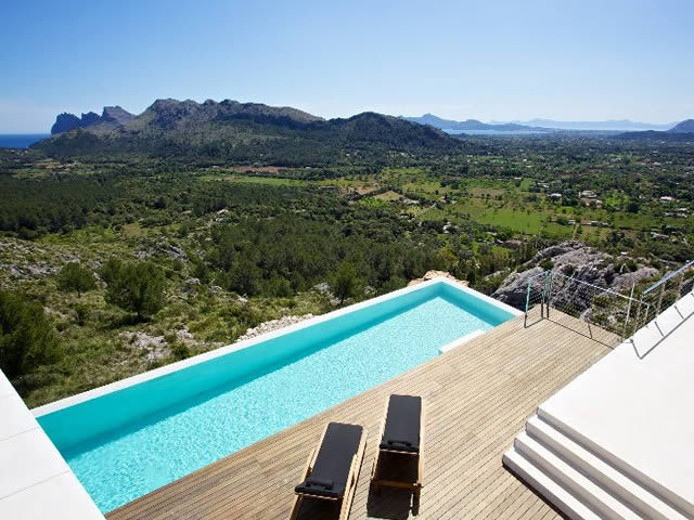View from the house in Casa 115 by Miquel Àngel Lacomba