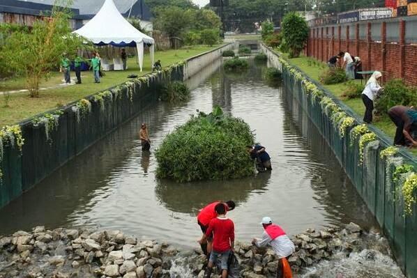 Bersih Sungai Elak Krisis Air