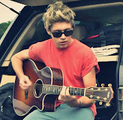 Niall and Guitar!x (tumblr mbftf sxgd yir )