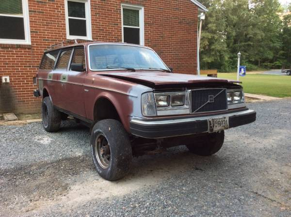 Daily Turismo: Lifted Scout Transplant: 1982 Volvo 245