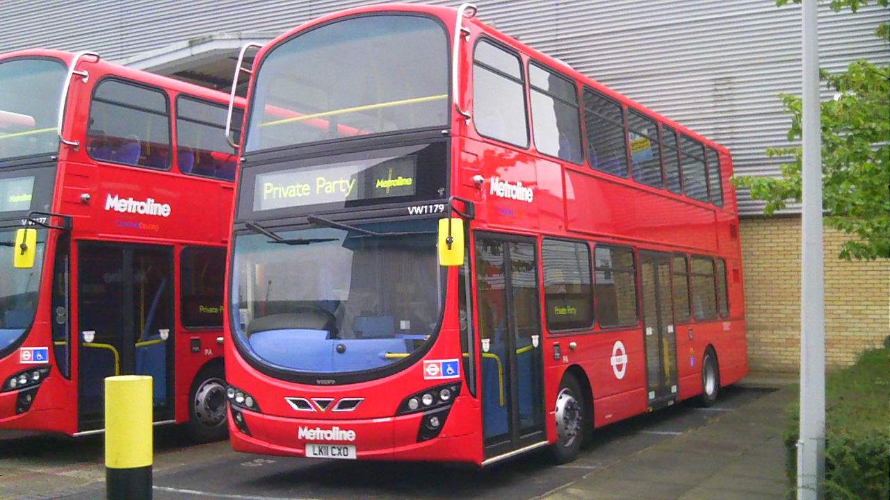 The london bus team new volvo b9tl wright gemini2s for for 52 time table