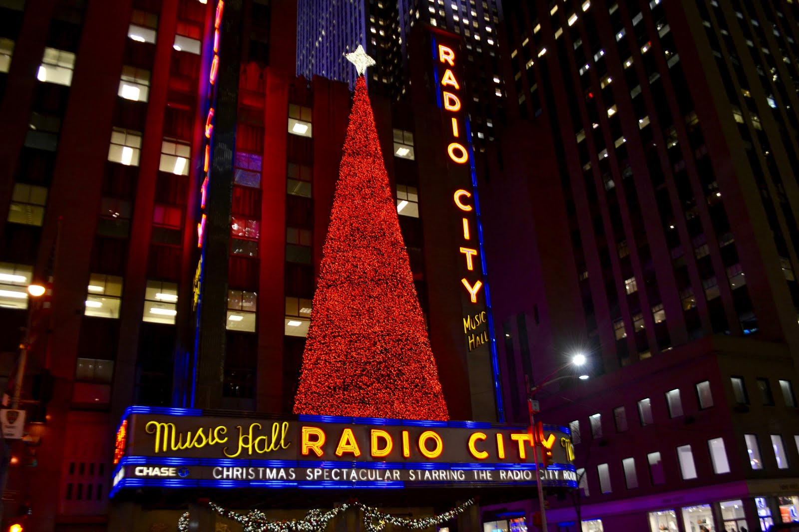 It\'s All About Purple: Christmas in New York City