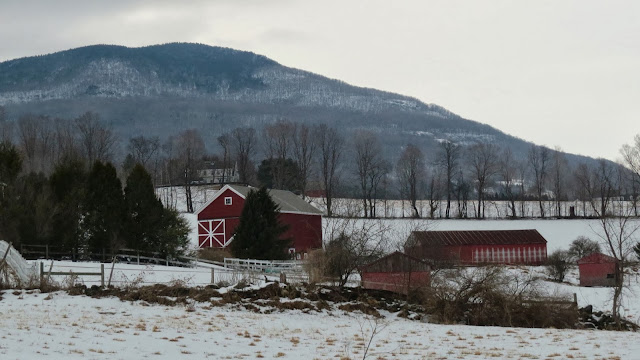 Red-Barn-in-Winter-Manchester-Vermont