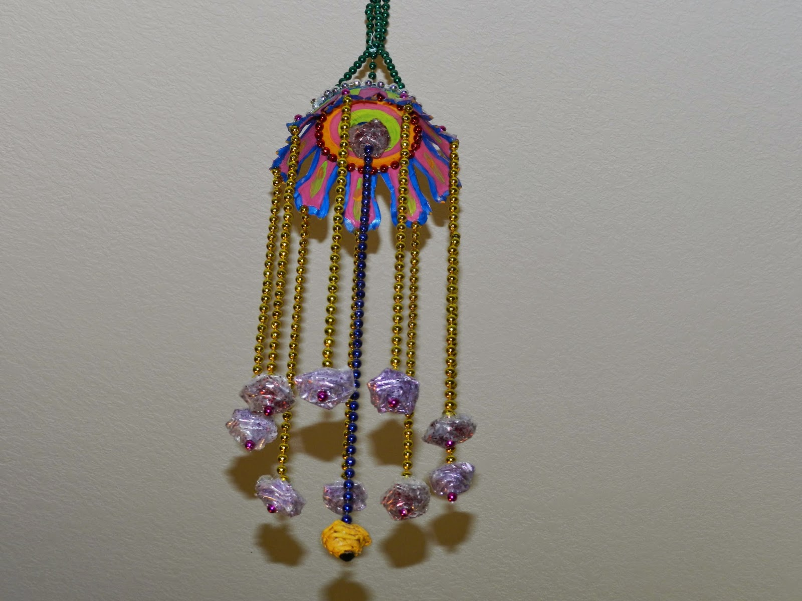 Creative diy crafts hanging wall craft with bead chain for Craft using waste