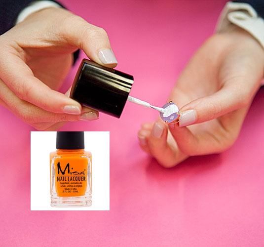 9 cách tận dụng nước sơn móng cực hay