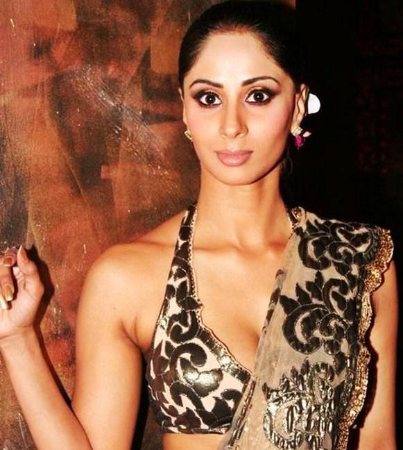 Indian model Sangeeta Ghosh Hot Saree Photos,Sangeeta Ghosh Hot Saree Stills