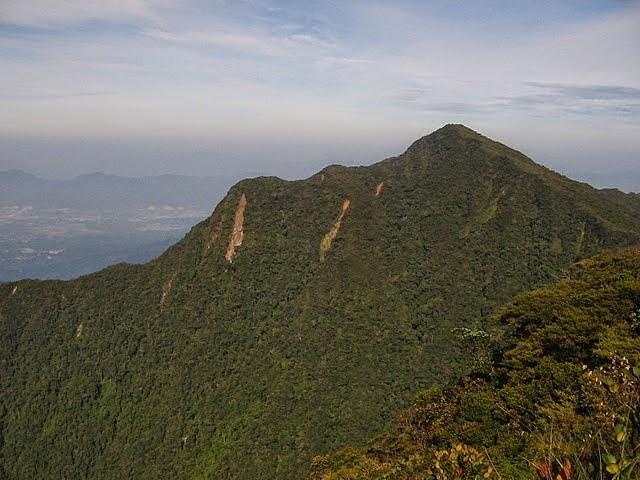 10 Perkara Sahaja 10 Gunung Tertinggi Di Malaysia