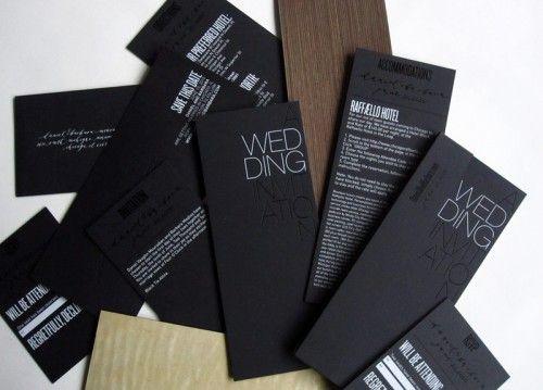 con un color negro de fondo plano y unos toques de blanco con tipografa sans y con los detalles de impresin se obtienen estas bellas