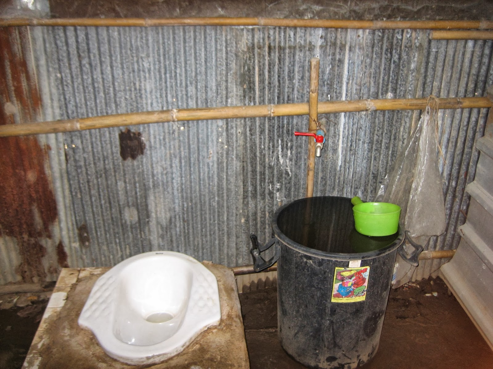 thailand-jungle-toilet