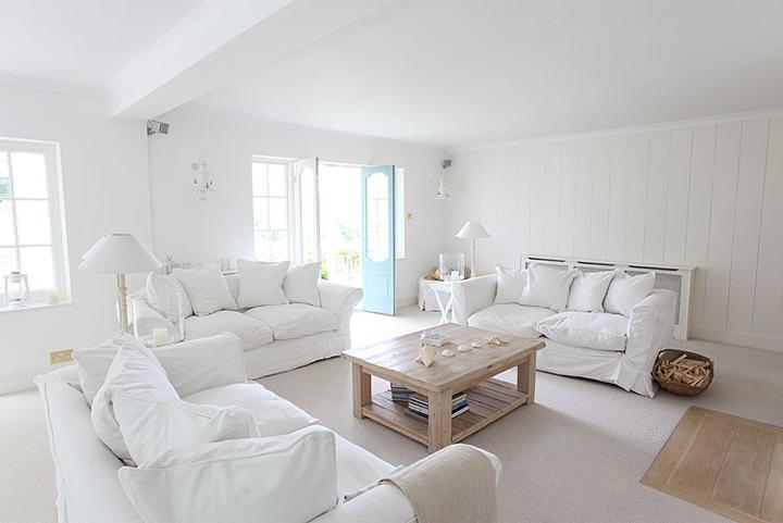 Idee d 39 interni giugno 2014 for Arredamento total white