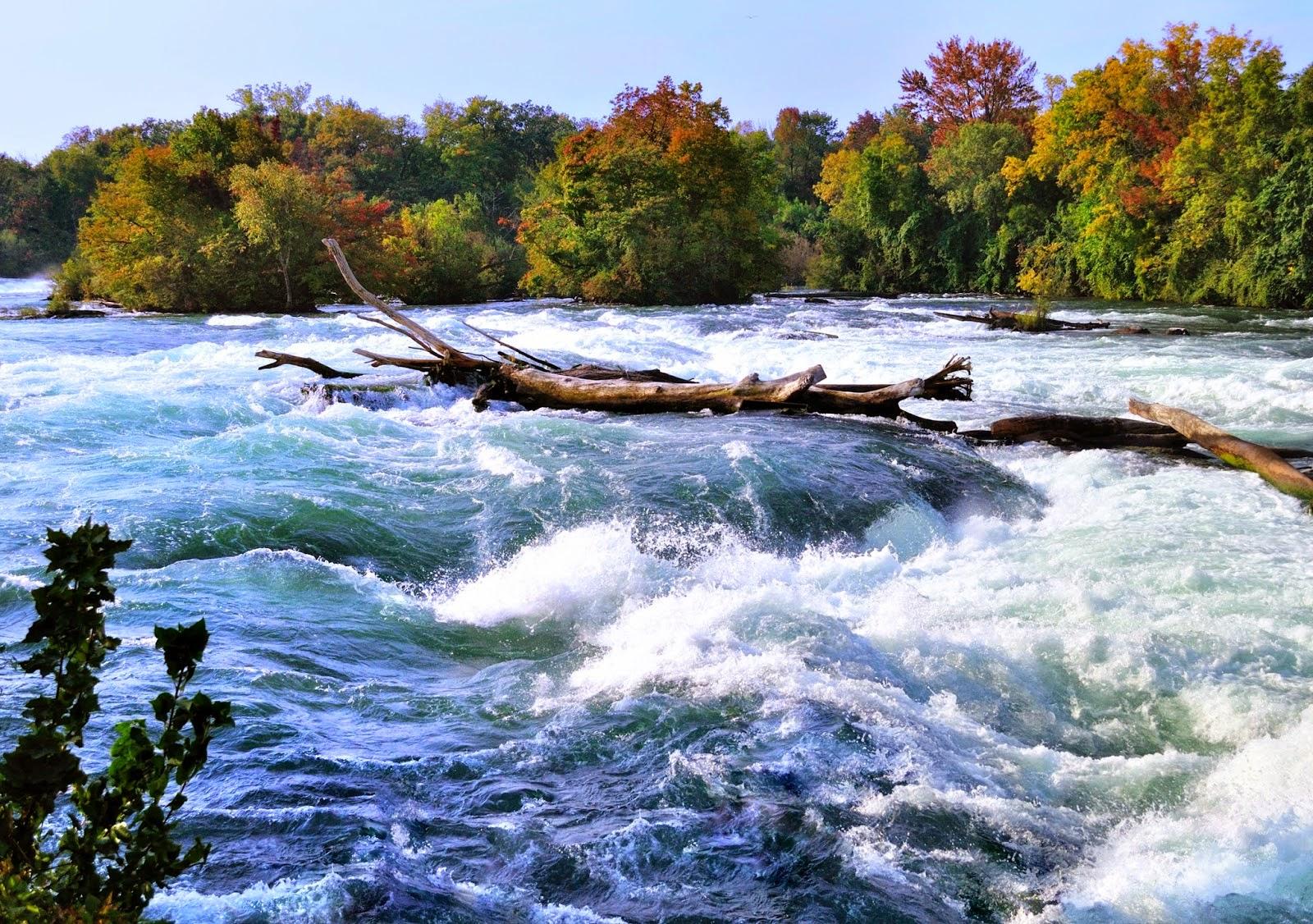 Paisajes naturales, cascadas y playas