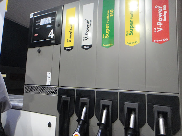 petrol station autobahn