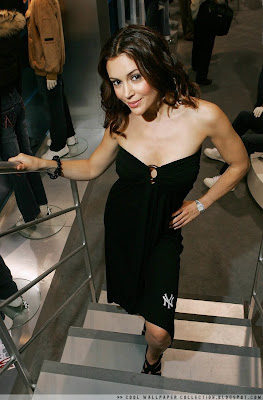 Hollywood Celebrities Photo: Alyssa Milano