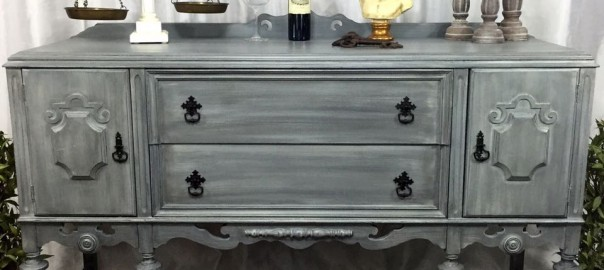 refinished buffet, painted buffet, grey buffet, how to update furniture with chalk paint, diy, #fridaysfurniturefix, furniture link party