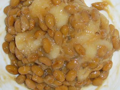 納豆にサトウのまる餅(佐賀よかもち)