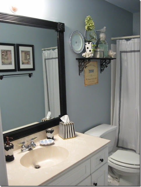 Tiny Ass Apartment The Renter 39 S Bathroom 6 Tips For De Uglying Your Apartment Bathroom