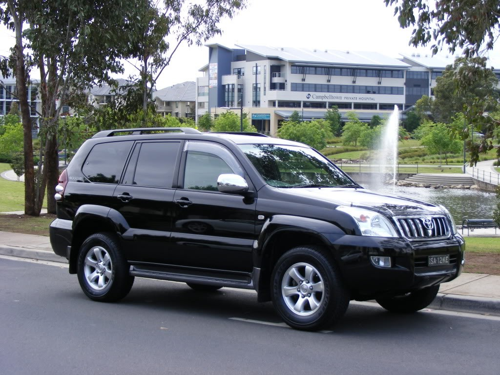 Toyota Land Cruiser Prado Spy Shots - Car Features, Pictures, Prices Review