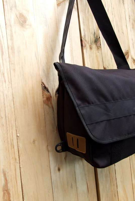 ... closure around belly. Velcro closure on front flap Padded Notebook
