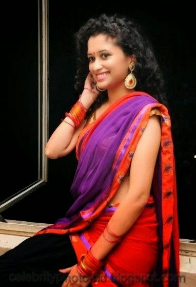 latest+Photo shoot+of+Manochitra+with+a+Hot+Pink+Sari005