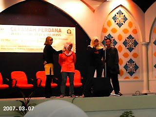 Waheeda Bersama Peminat