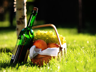 A Bottle of Wine and Grapes in Picnic Basket HD Wallpaper
