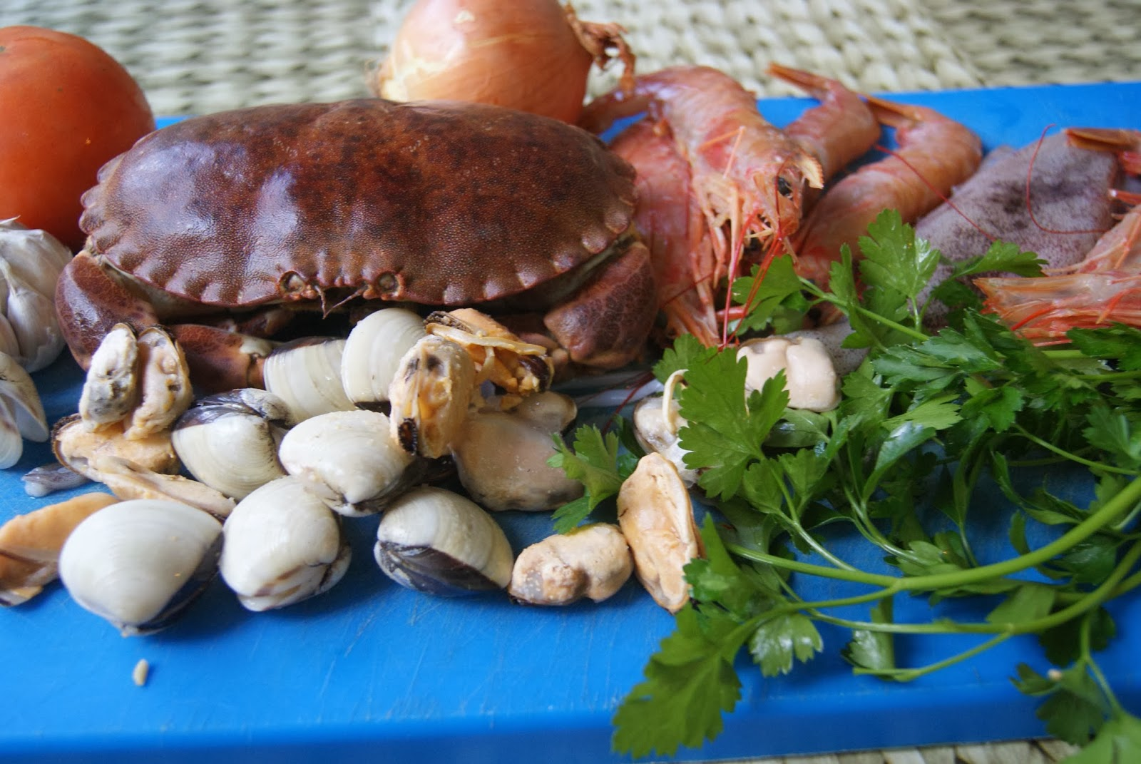 Cocina con pebrella caldereta de buey de mar - Caldereta de langostinos ...