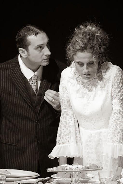Spettacoli di Teatro a Milano: Le nozze dei piccolo borghesi fino al 31 dicembre 2013