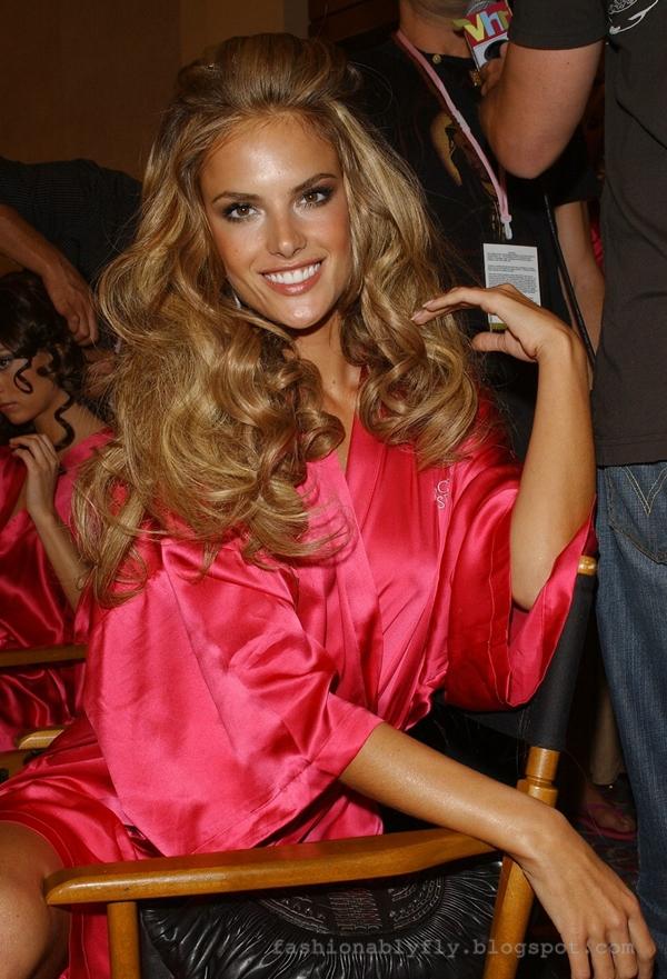 Hair Envy Alessandra Ambrosio Circa 2007 Fashionably Fly