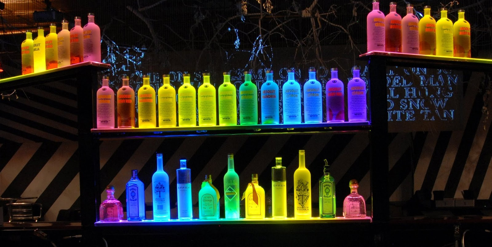 Lighted bar top talentneeds led liquor shelf mozeypictures Image collections
