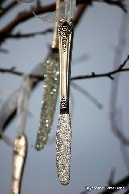 old silverware, Christmas, ornament, icicle, glitter, http://bec4-beyondthepicketfence.blogspot.com/2015/10/its-beginning-to-look-lot-like.html