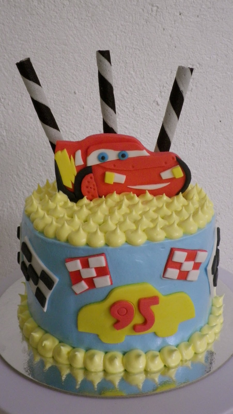 little cake shop Lightning McQueen Cake and Cupcakes