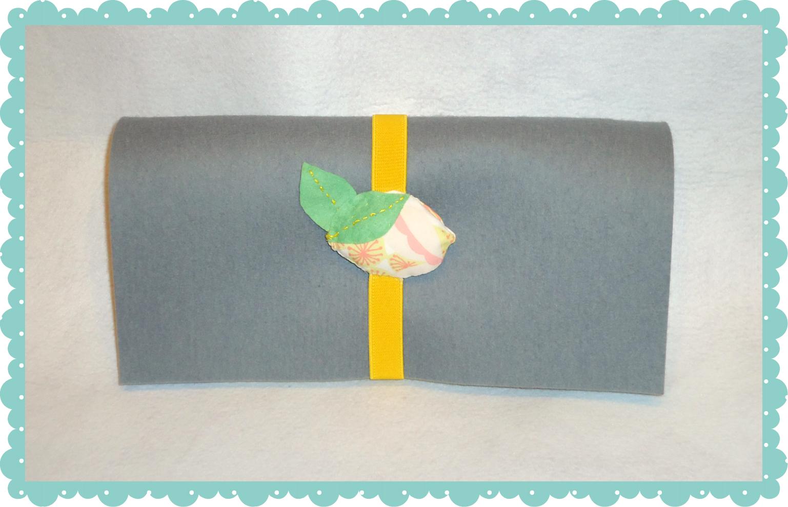 Marcapáginas en tela y fieltro  - limón