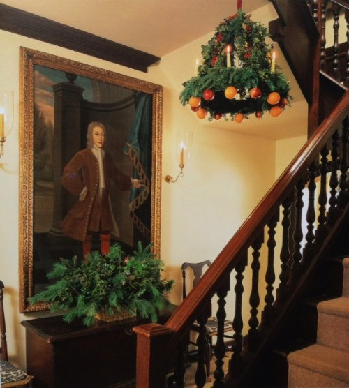28 best colonial christmas decorations imparting grace for Colonial home christmas decorations