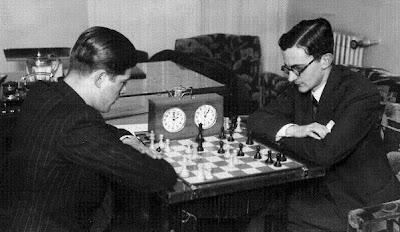 Partida de ajedrez Lilienthal-Rey Ardid, en su encuentro de Zaragoza (enero 1934)