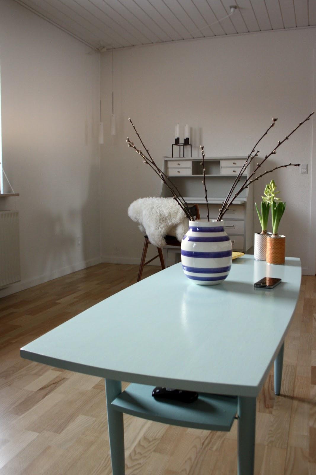 Annchen: flere farveovervejelser og nyt møbel