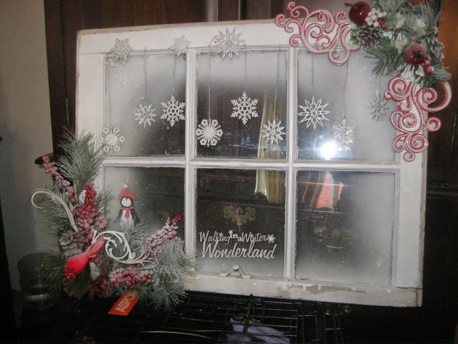 Ginas Designs Walking through the Winter Wonderland ~ 220626_Christmas Decorating Ideas Using Old Windows