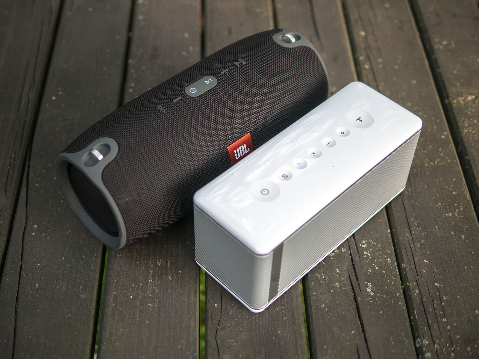 Oluv's Gadgets: Review: JBL Xtreme - how much bass can you handle?