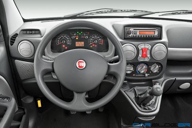 Fiat Doblò 2013 - por dentro