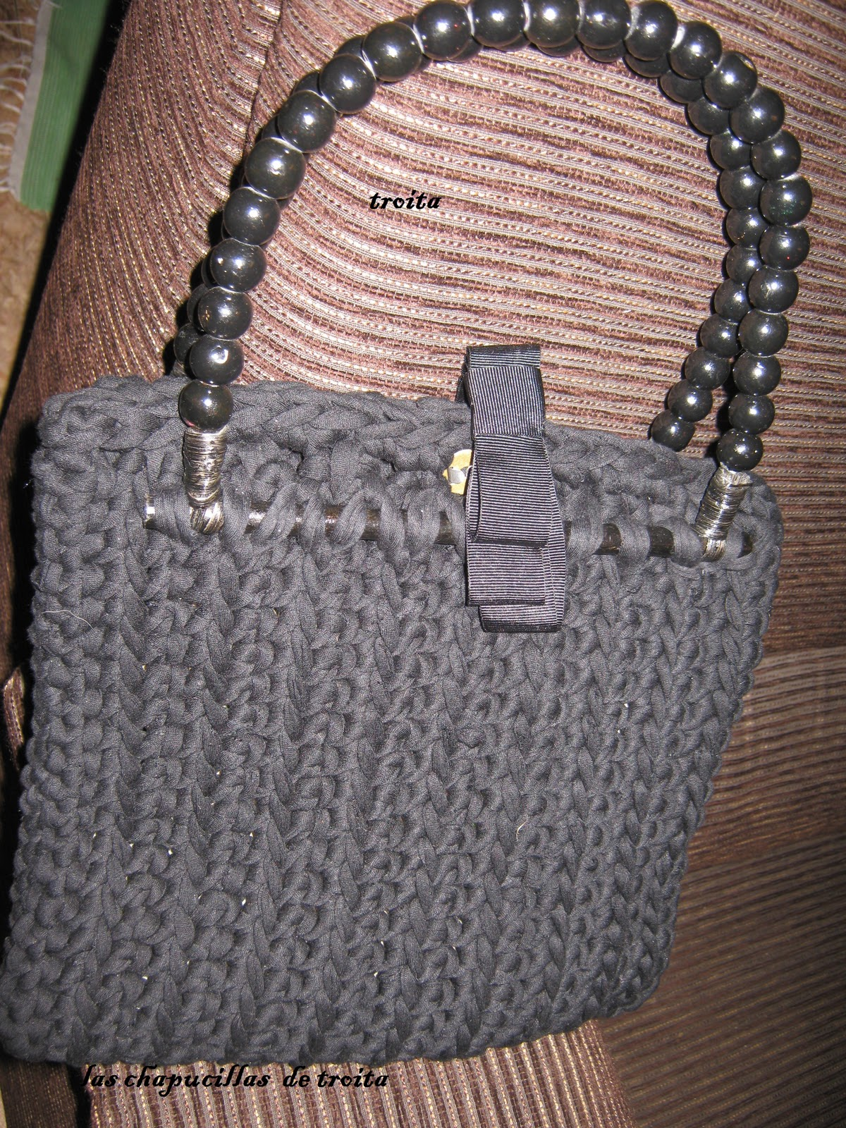 que explicar del pap de este bolso materiales trapillo negro asas de