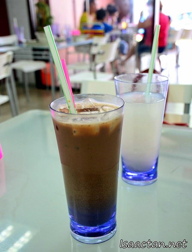 My usual Ice Milo (RM2.50) and warm Barley drink (RM1)