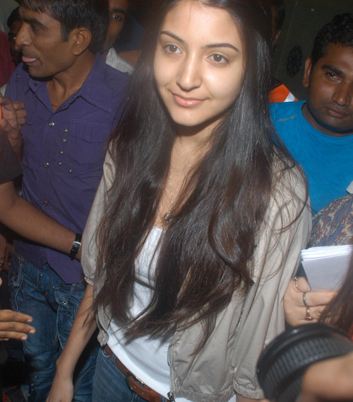 Bollywood Actress Anushka Sharma without Makeup